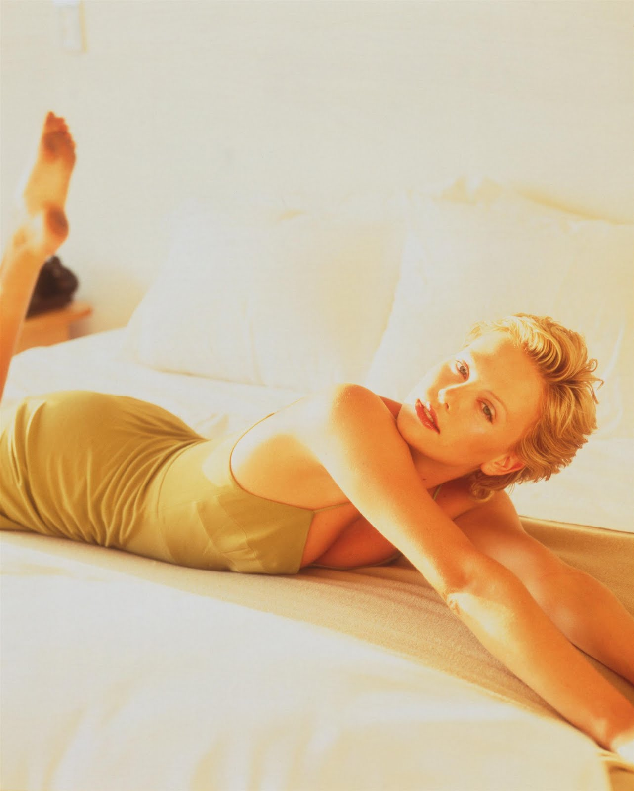 Charlize Theron Feet Amp Legs Celebrity Pictures
