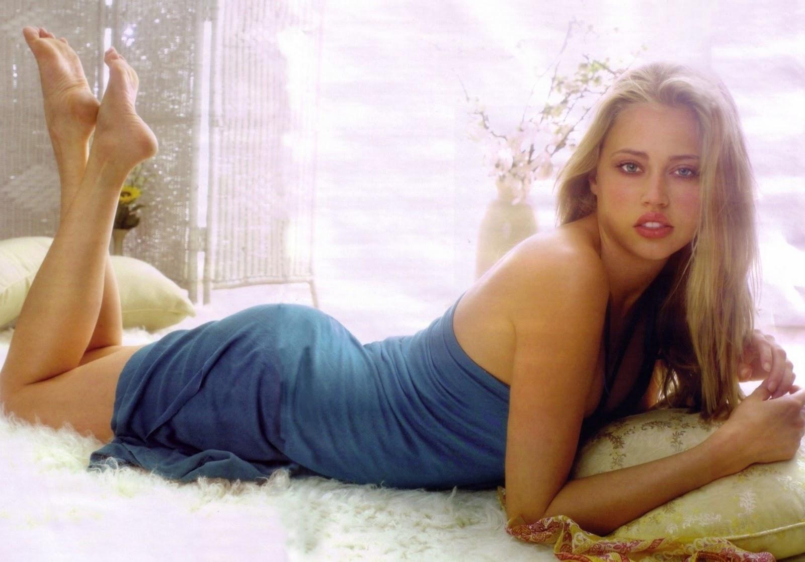 Cheerleaders porn estella warren sexy nude modelling photos