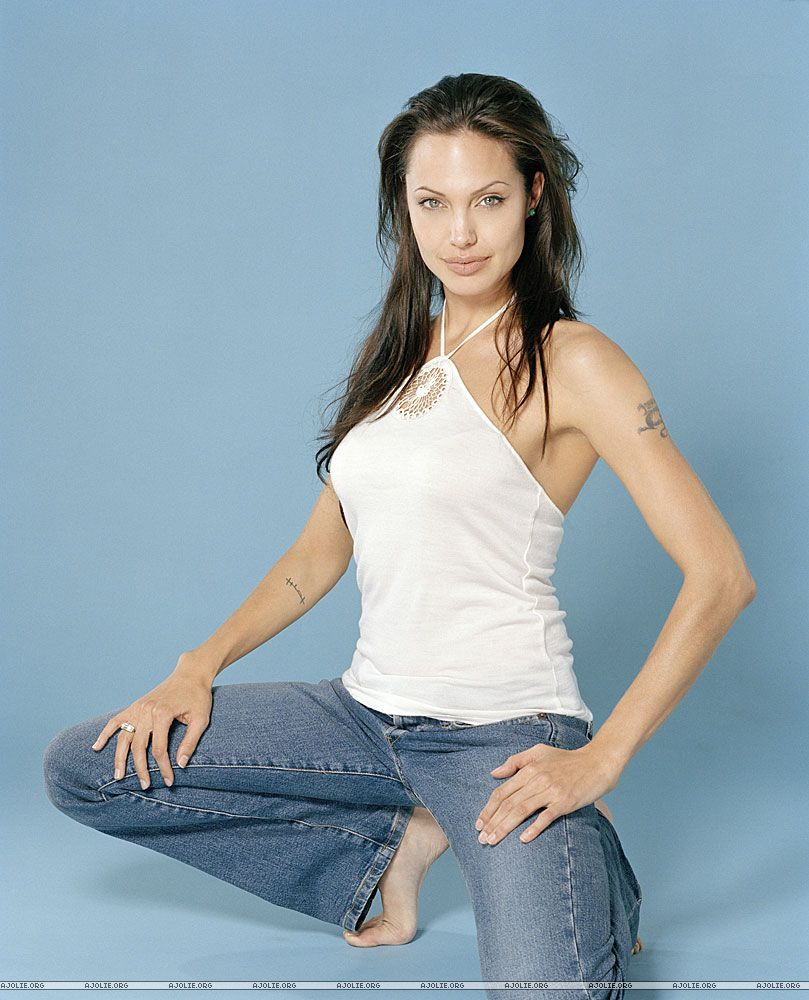 Angelina Jolie Feet  Celebrity Pictures-3336