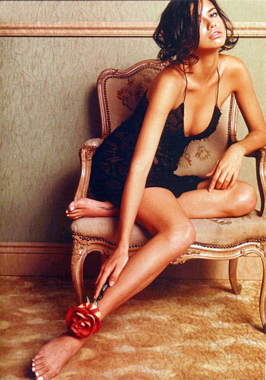 Adriana Lima Feet   Ce... Rosie Huntington Whiteley Height