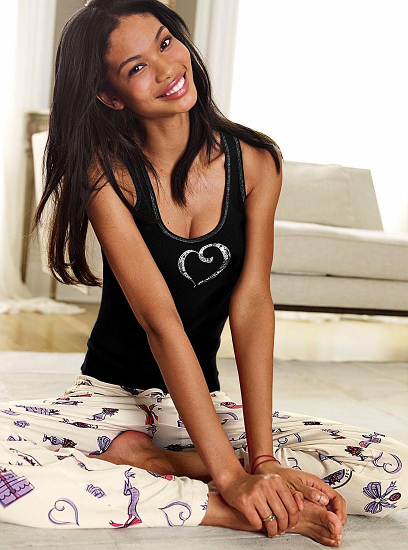 Celebrities With Ugly Feet: Paris Hilton, Shetty Shilpa ...