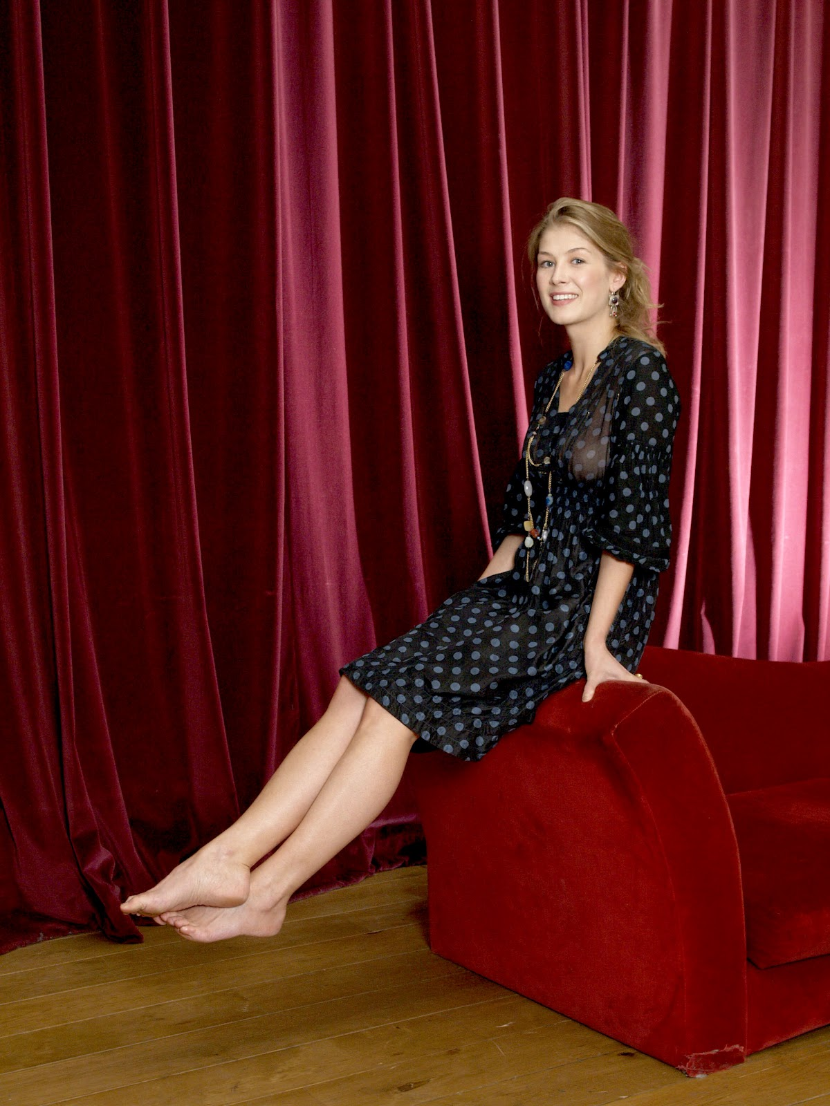 Feet Rosamund Pike nudes (57 photos), Pussy, Hot, Instagram, legs 2015