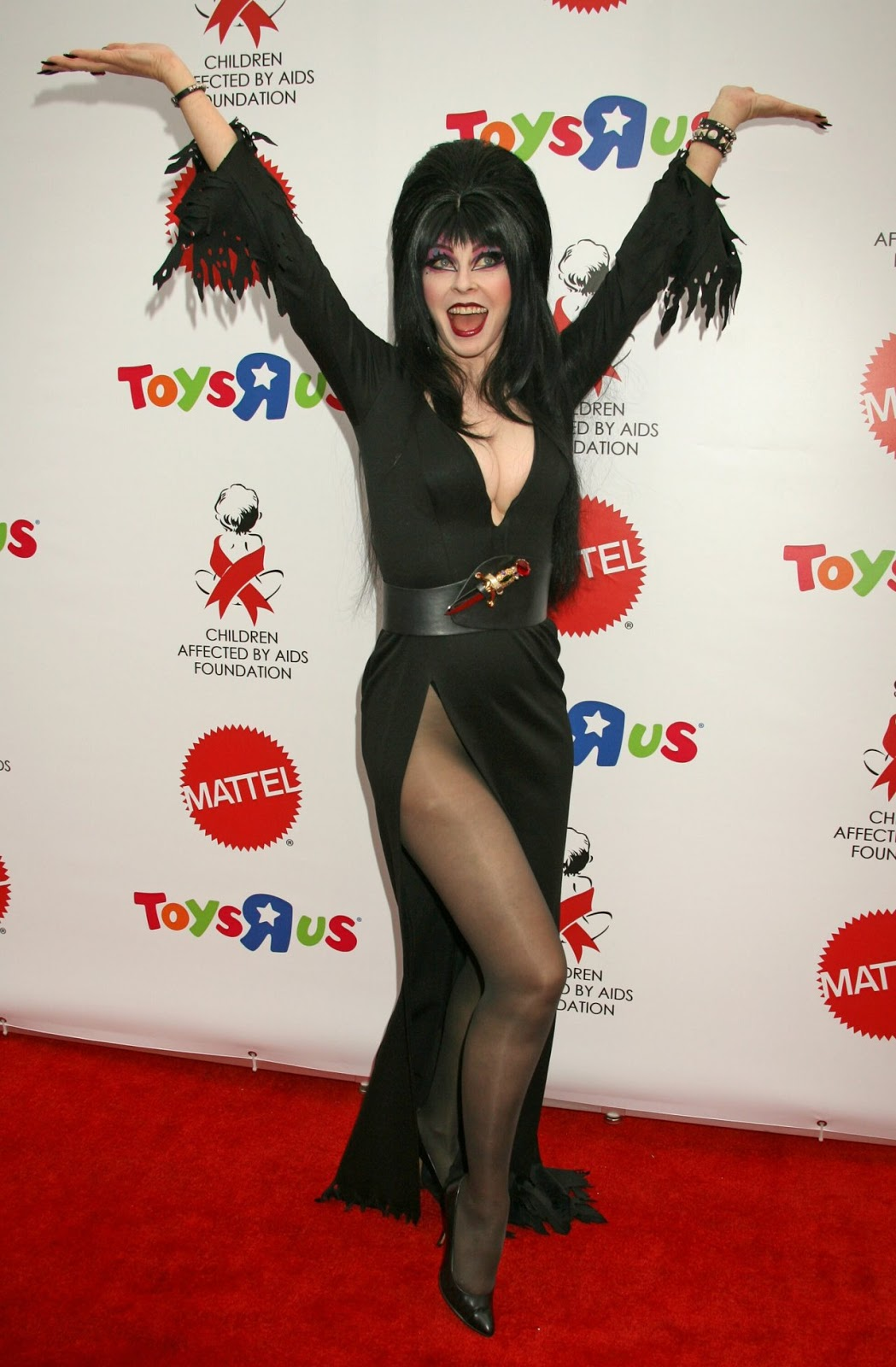 Cassandra Peterson | Celebrity Pictures